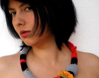 Hug Trendy  Multicolor Necklace Crocheted  Woman Collar Fashion Cowl
