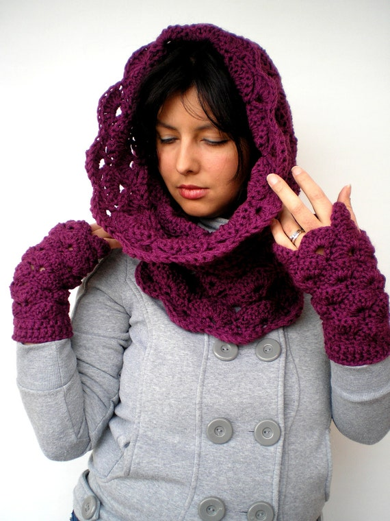 Royal Purple Set Cowl and Gloves Super soft Neckwarmer and Fingerless Mitens Women Crocheted Set NEW COLLECTION