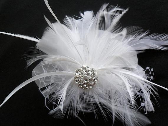 Bridal hair piece, Wedding hair accessory, Feathered fascinator, Bridal hair flower, Wedding headpiece, Feathered headpiece, Vintage Wedding