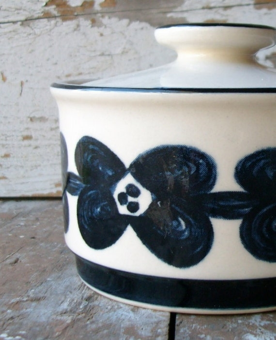 Vintage Lidded Stoneware Dish Sugar Bowl