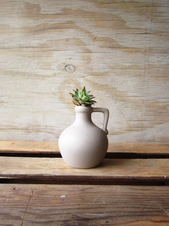 Pigeon Forge Pottery Modern Jug Vase By Whatsnewonthemantel