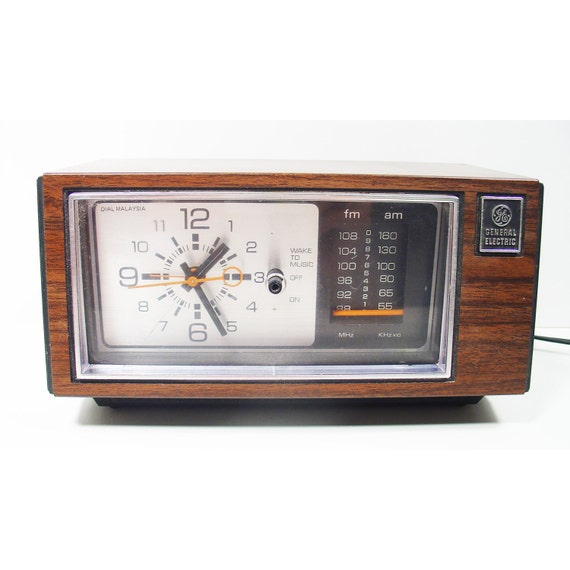 am fm alarm clock radio classic retro general electric model