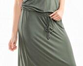 Long sleeveless summer dress.