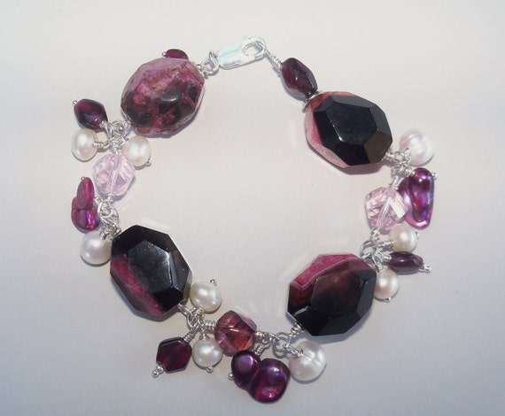 RESERVED LISTING  Pearl and garnet bracelet -Chunky pink druzy agates