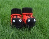 Ladybird Baby Bootees / shoes - MADE TO ORDER hand knitted by scunjeebabe