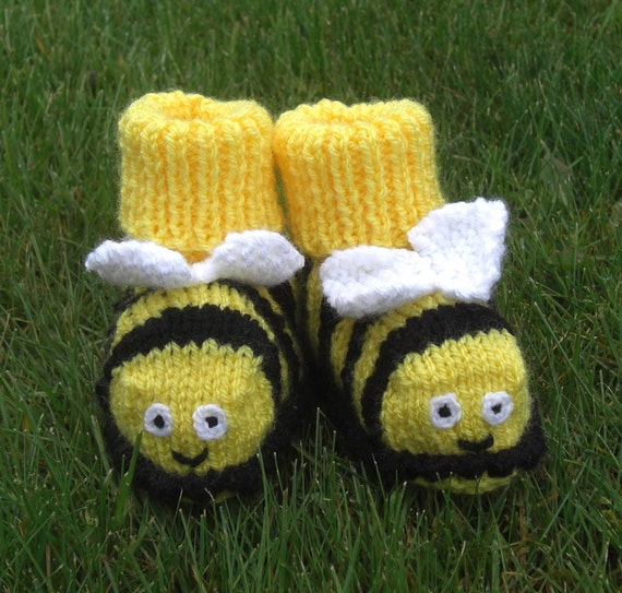 Bumble Bee Baby Bootees / shoes - 3 -6 months, hand knitted to order  by scunjeebabe