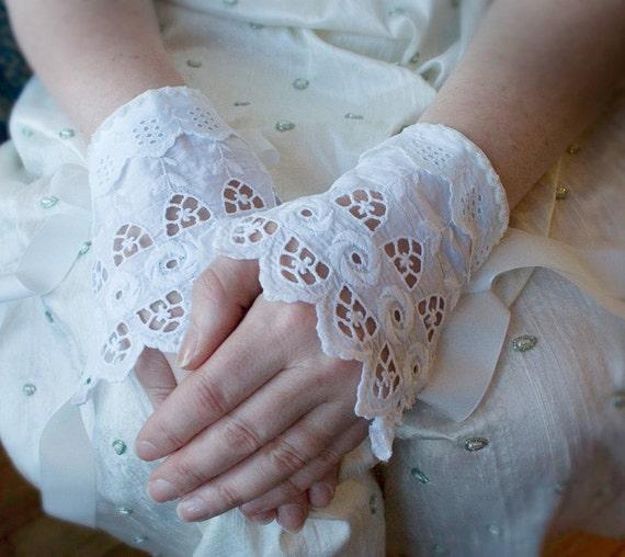 Antique Lace Cuffs Milk Maid