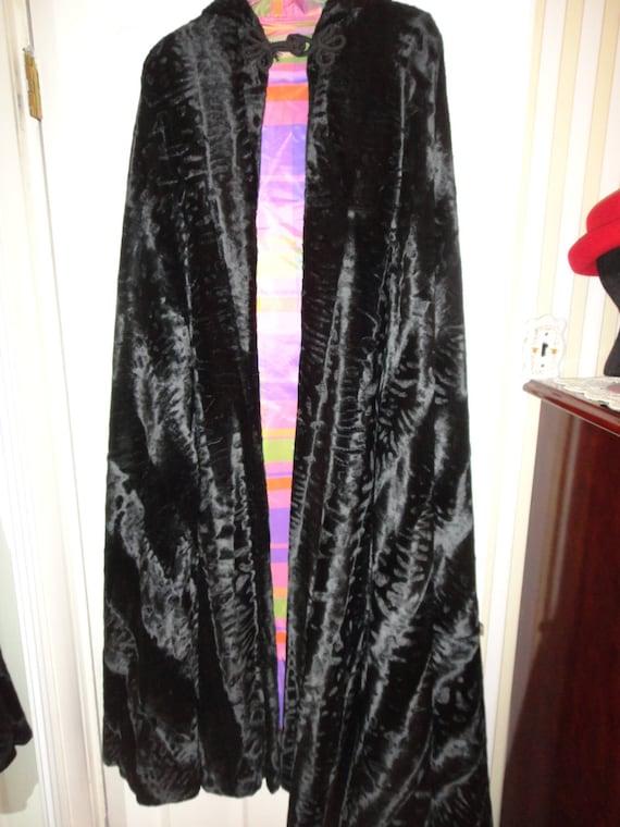 Sale Below 1/2 Price Vintage Faux Fur Hooded Cape Taffeta Lining
