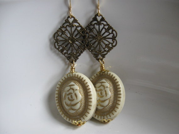 Nouveau - Cream and Gold Carved Lucite Earrings