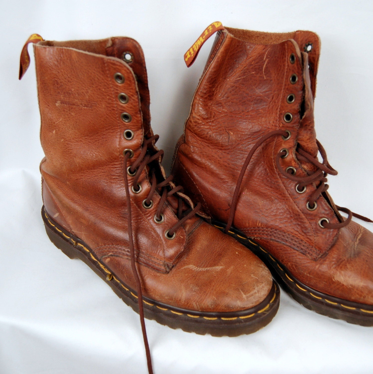 90 s doc martens mens brown leather rustic boots 7
