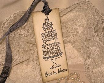 Elegant Glittered Wedding Cake Gift Tag Wish Tags ECS Love in Bloom