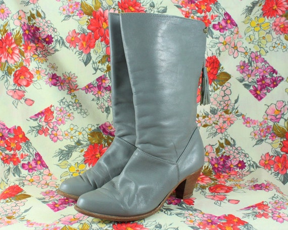 Leather Boots in Grey with Tassels - size 7.5