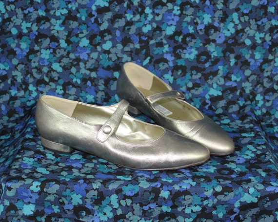 Vintage Handmade ARNOLD CHURGIN Leather Gold Mary Jane Flats - size 8m