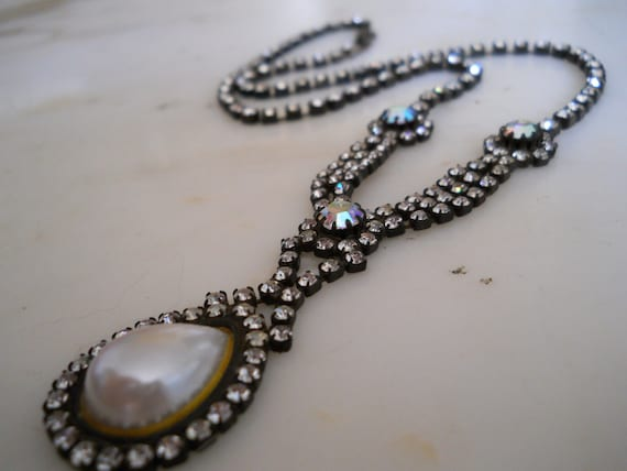 On Hold for Lindsey Dix                                Gorgeous Vintage Rhinestone & Faux Pearl Necklace