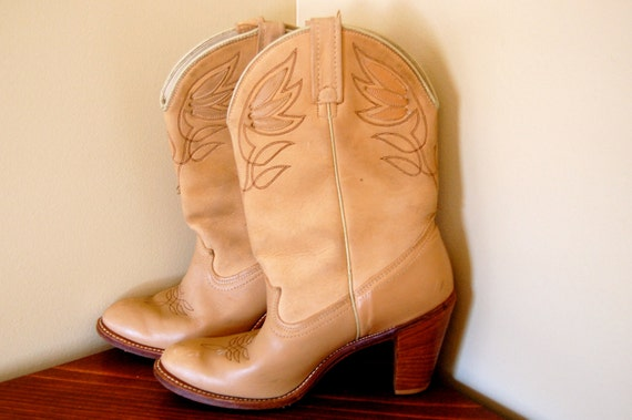 vintage beige cowboy boots with chunky heel