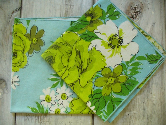 vintage pair of napkins, turquoise and lime green