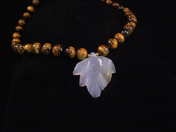 Necklace: Stunning Tiger's Eye Necklace with carved quarts Leaf