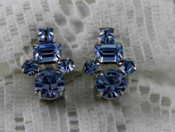 SALE SAVE 5 BUCKS Stunning Weiss Sapphire Blue Rhinestone Earrings