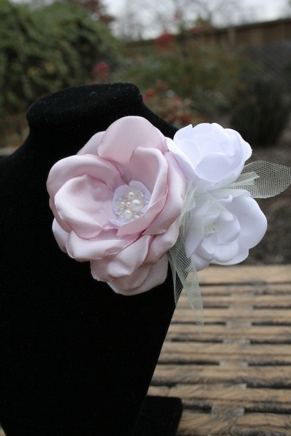 SALE Fabric Flower Brooch in Pink and White Satin: The Sabrina