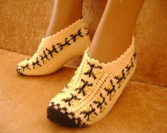 Woman Slippers...Handmade Knitting Woman Slippers..Room Shoes...Knitting Pattern