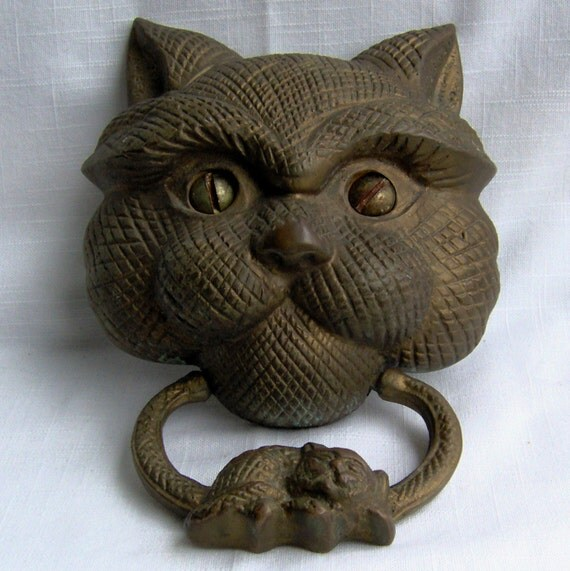 Very Large DOOR KNOCKER / CAT / Cast Iron w/ Screws /  9 x 6 inches