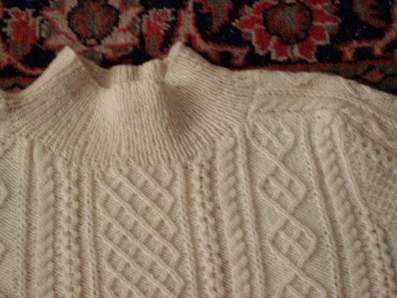 Beautiful Hand Knitted IRISH fisherman's sweater Pullover.....sz LARGE