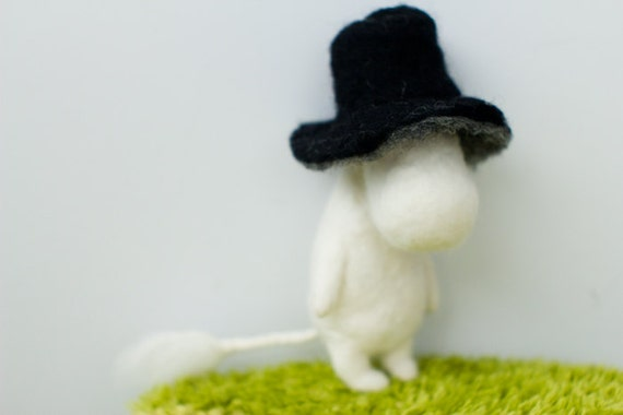 moominpappa and the wizard's hat