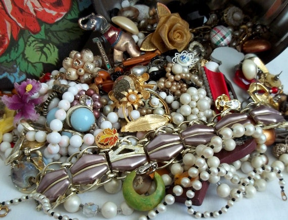 Jewelry & Seed Bead Lot for Crafting