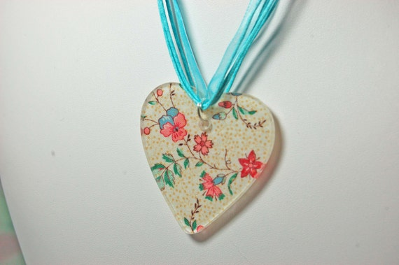 Vera Bradley-Themed -- Cream and Roses  Heart Necklace