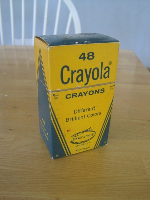 Vintage 1970s Crayola crayons in box 48