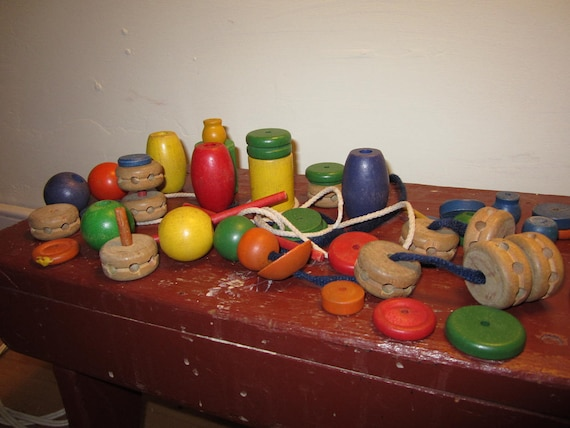 HUGE Lot of vintage wooden Tinker Toys pieces All sizes colors