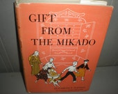 Gift from the Mikado - Elizabeth P. Fleming - Illustrated by Janet Smalley 1958
