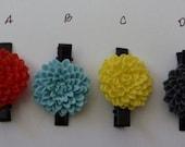 Red/lt blue/yellow/grey Chrysanthemum Cabochon Gator Barrette