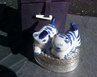 Vintage Cat or Kitten Trinket box of Blue and White ceramic and  Silver plated Brass with mirror