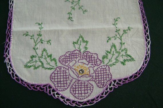 Vintage   Linen runner embroidered  floral  crochet edge 11x23""