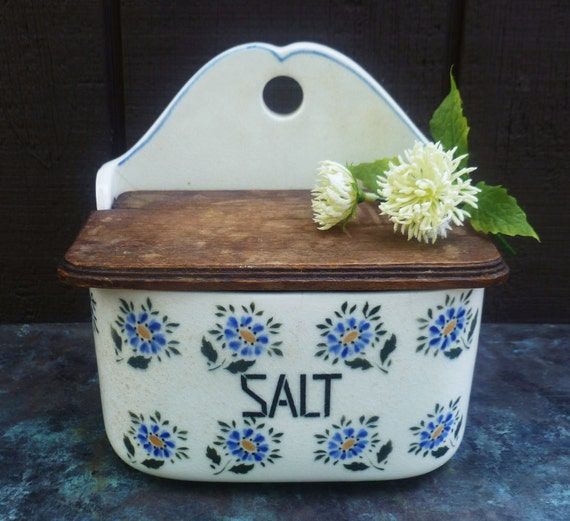 Salt Box. Blue Flowers. Made in Czechoslovakia. Vintage 1920s.