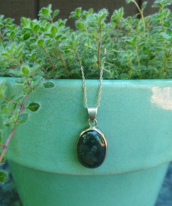 Moss Agate Sterling Silver Pendant Necklace. Vintage.