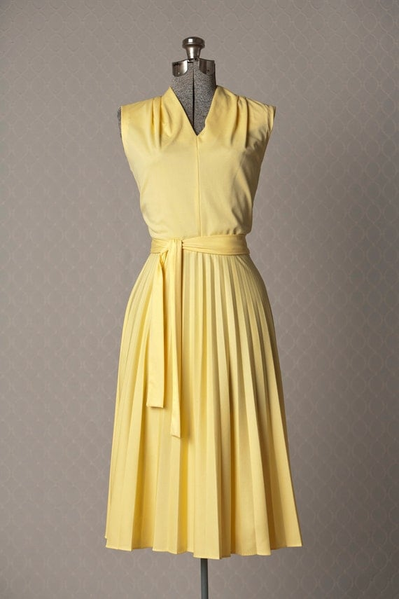 Womens 1970s Vintage Yellow Pleated Summer Dress