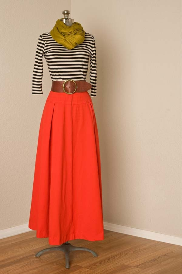 Womens S/M 1970s Vintage High Waisted Red Maxi Skirt