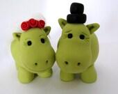 wedding cake topper - Hippo love - polymer clay - green
