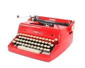 Vintage 1955 Bright Red Royal Quiet De Luxe Manual Typewriter