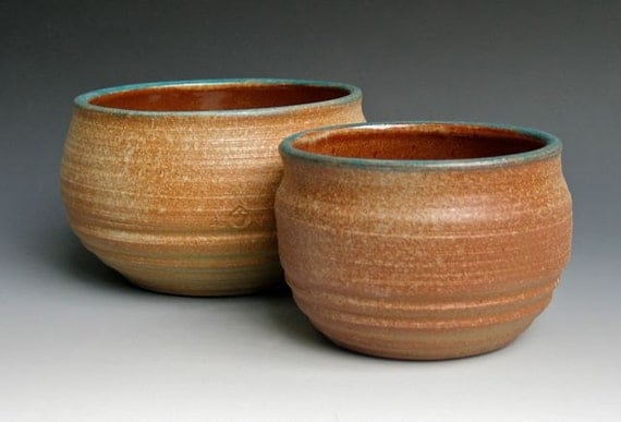 Set of Two Serving Bowls