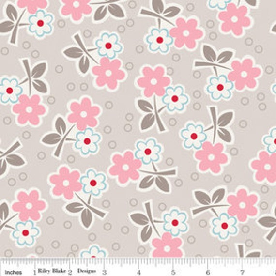 last one - STORE CLOSING SALE - Lori Holt, Bee in My Bonnet, Millie's Closet, Floral in Pink - 1/2 Yard