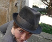 Vintage Trilby hat, Fedora,  dark grey, ribbon, france, vichy,  french cascette, french vintage accessories by ancienesthetique