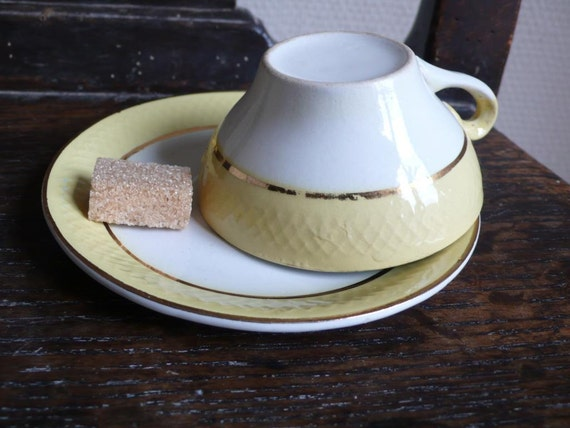 RESERVED FOR QUEENECO: yellow and white vintage coffee cups, teacup, 30s, antique, french kitchen wares by ancienesthetique