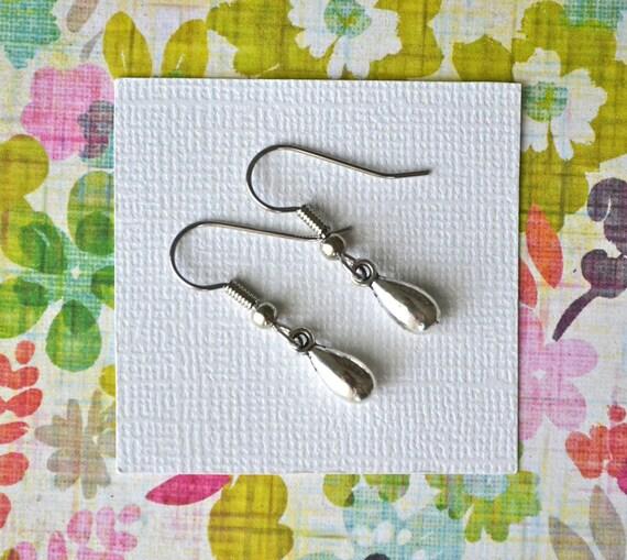 Silver Teardrops . Earrings