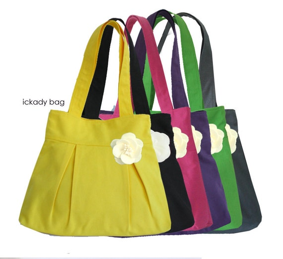 SALE 15% - Bridesmaid totes - Wedding Party Gift for Your Bridesmaid / Maid of Honor - 6 Bridesmaid Bags