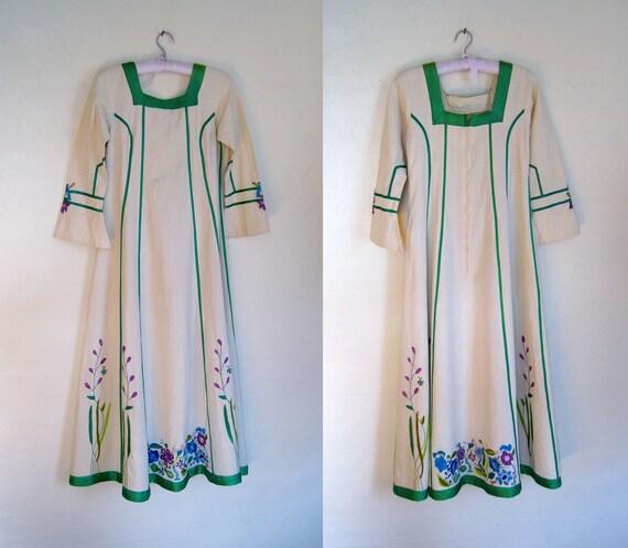 70s DESIGNER Josefa MEXICAN Hand Embroidered Caftan Dress Maxi