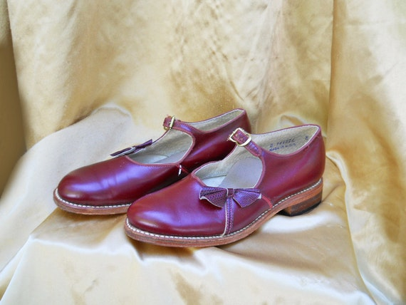 40s Shoes //  Mary Janes with Buckle // Girls 8 // Women's 5 1/2 // No Shipping Charges