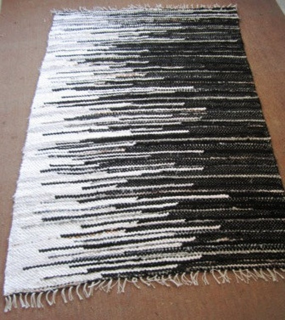 Handwoven Rag Rug 32' X 4.7' Black & White MADE TO By